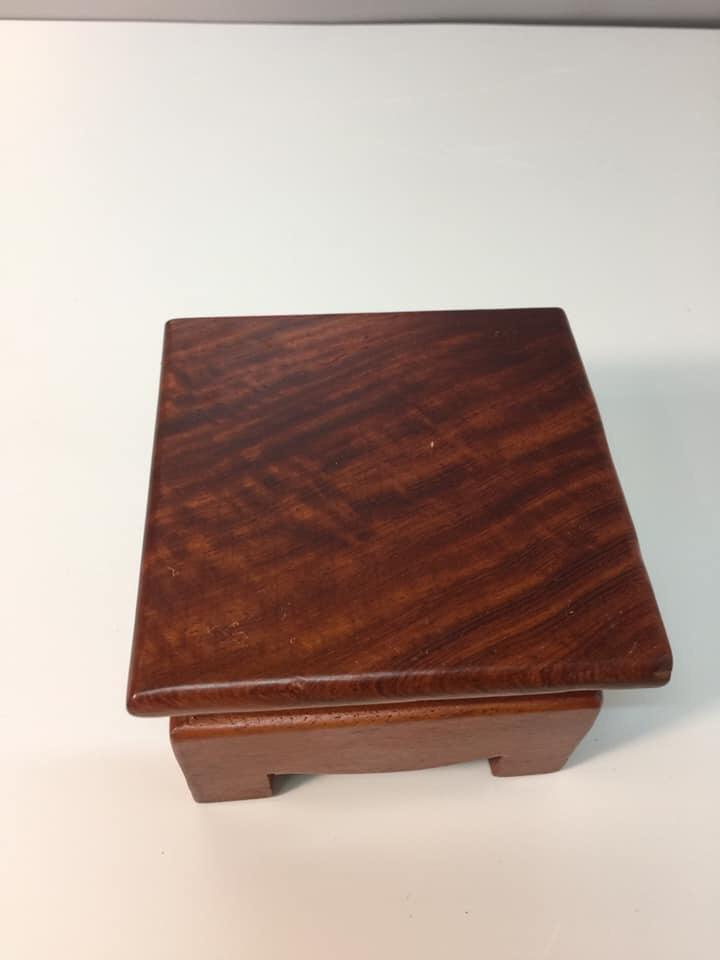 đế kê tượng gỗ hương
