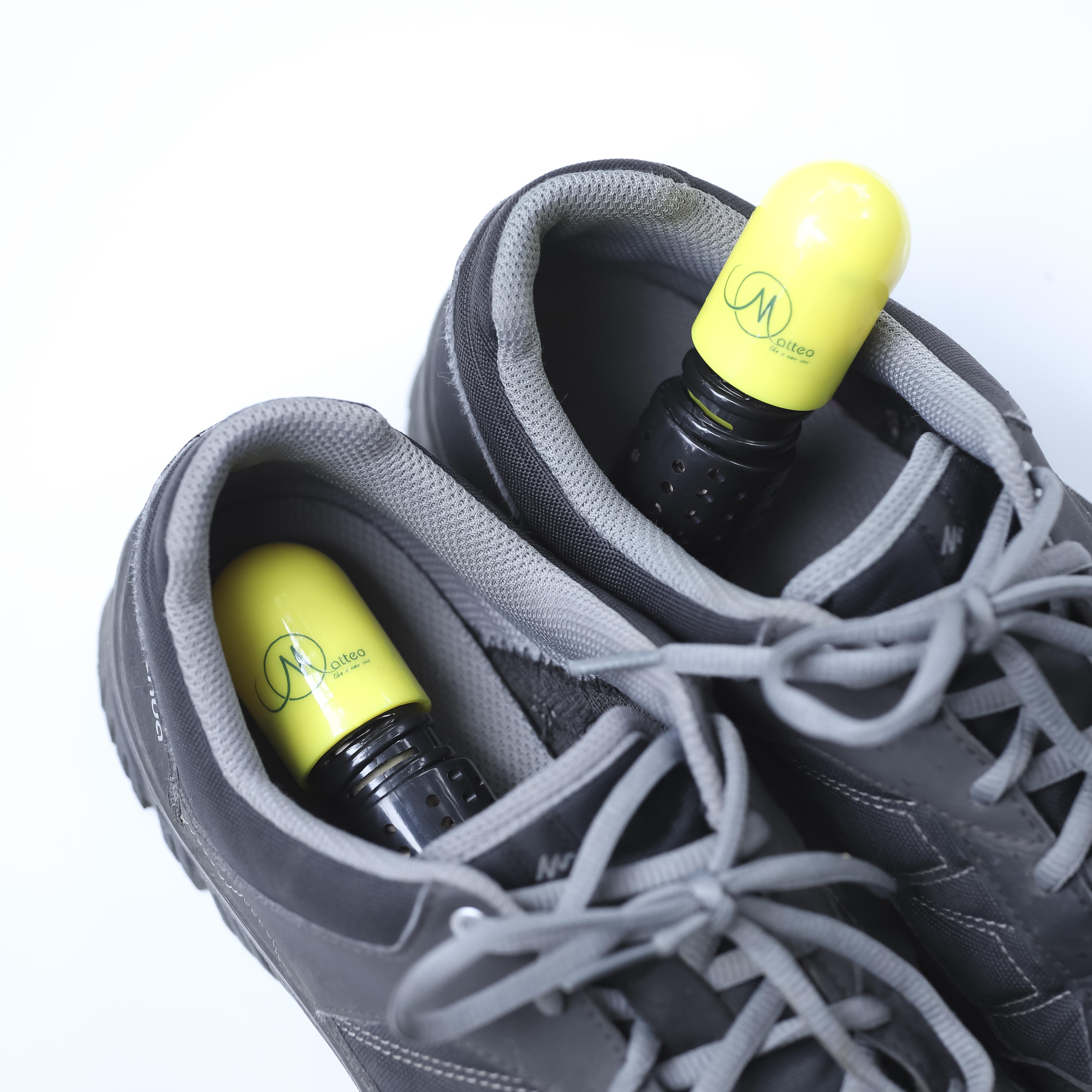 Cặp viên khử mùi và hút ẩm giày dép MOATTEO hữu ích