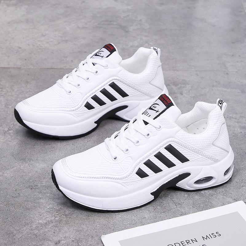 Giày thể thao Sport Sneaker trẻ trung, đế nén khí đi êm, bề mặt giày bằng da phủ 1 lớp cacbon chống nước, lớp vải mềm bên trong, lót thoáng khí khử mùi  G139