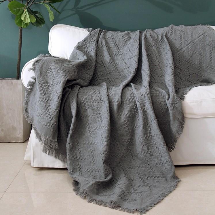 Chăn thảm trang trí phủ ghế sofa đan len tua rua màu xám lưới