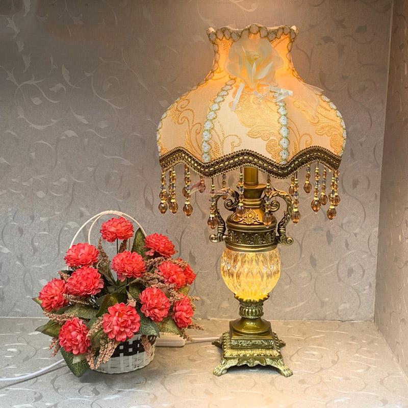 Đèn ngủ để bàn tân cổ điển - đèn bàn trang trí phòng ngủ 878A