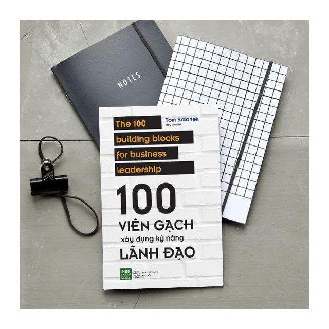 Combo Sách Quản Lý, Lãnh Đạo: Nghệ Thuật Giữ Chân Nhân Viên Giỏi (Tái Bản 2018) + 100 Viên Gạch Xây Dựng Kỹ Năng Lãnh Đạo  - (Cách Thức Để Phát Triển Khả Năng Lãnh Đạo / Sách Kinh Tế) - Tặng Kèm Postcard Greenlife
