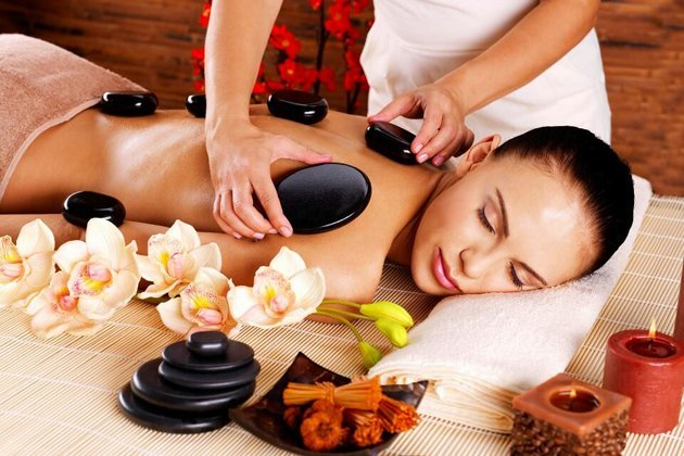 Bộ đá massage 18 viên được sử dụng cho liệu trình massage body, massage foot