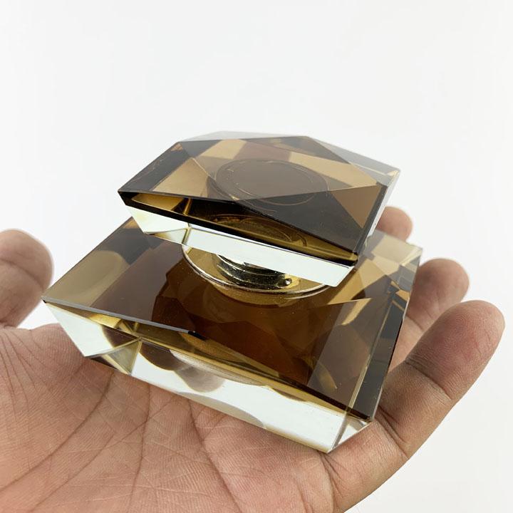 Nước hoa ô tô cao cấp hình kim cương Mã 06 (Nâu)