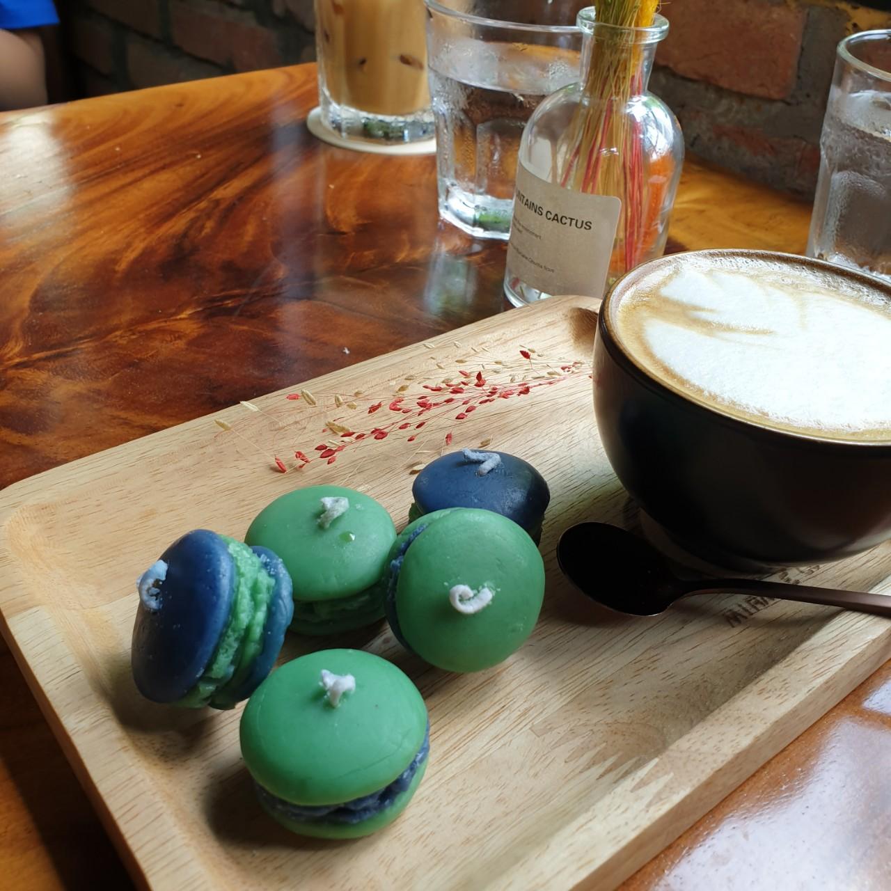 Set 5 Nến bánh Macaron tinh dầu trà xanh giúp thư giãn, giảm stress, thơm phòng - 80g