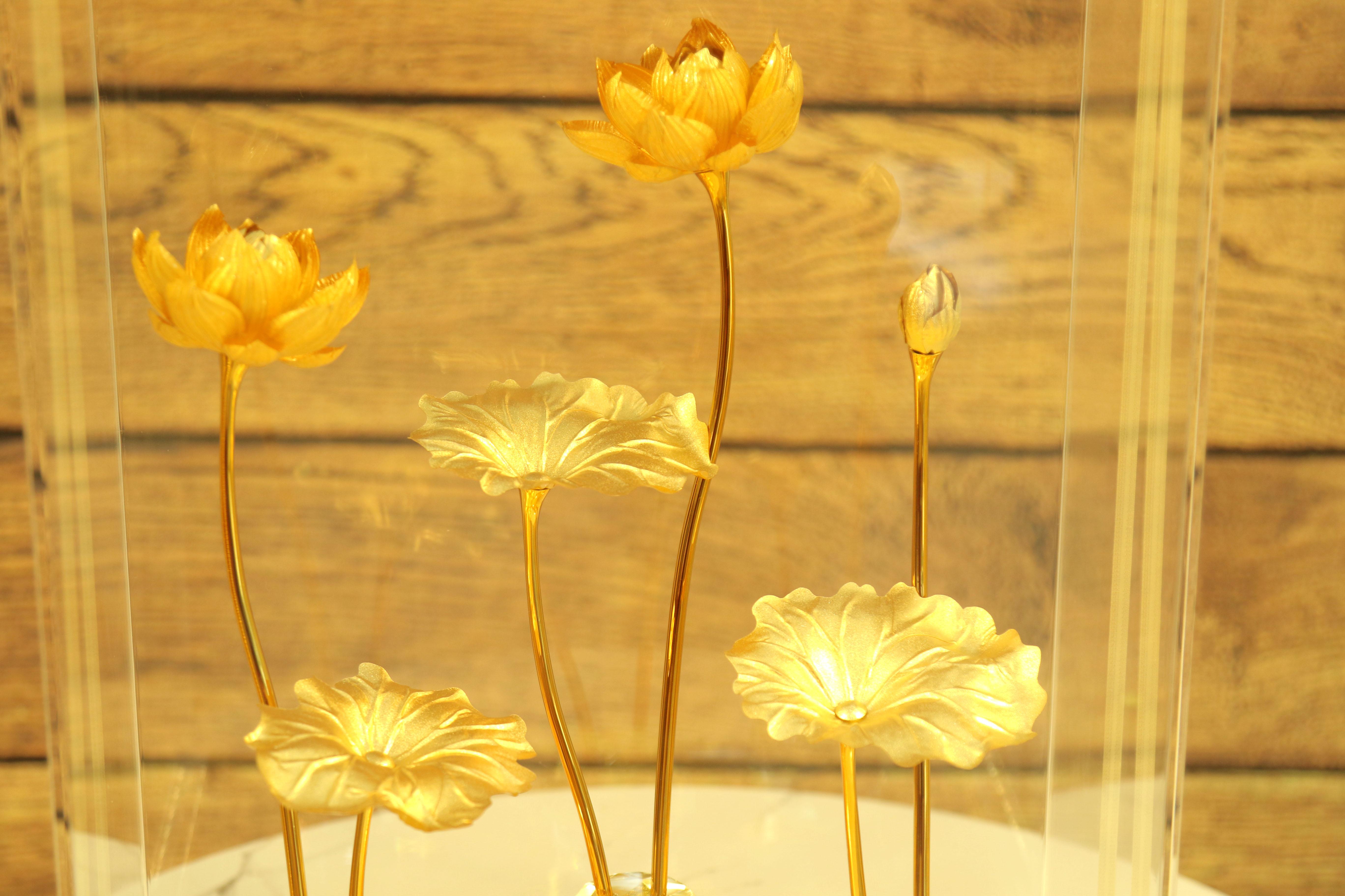 Quà tặng mạ vàng 24k cao cấp - Mô hình hoa Sen dát vàng 24k