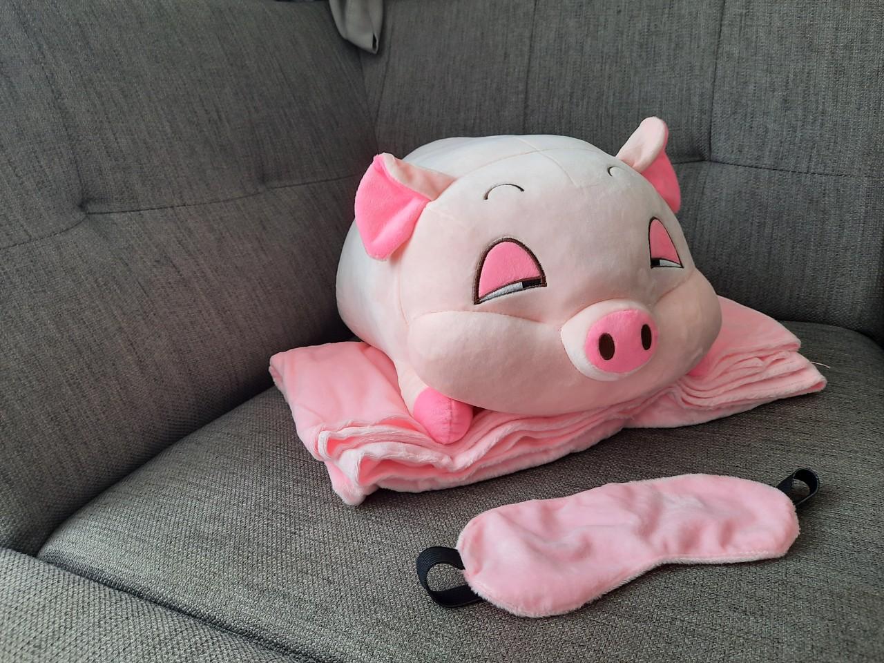Gối chăn heo buồn ngủ hồng dùng trong văn phòng tặng kèm che mắt