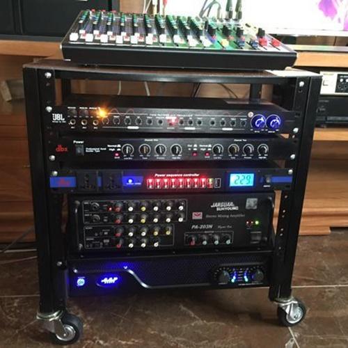 Tủ máy âm thanh loại trung cao 72cm