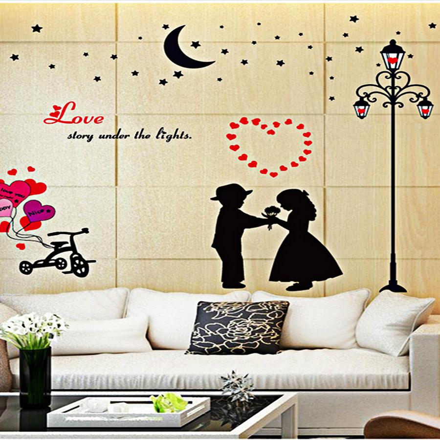 Decal dán tường hai bé tỏ tình và cột đèn đen sk9113