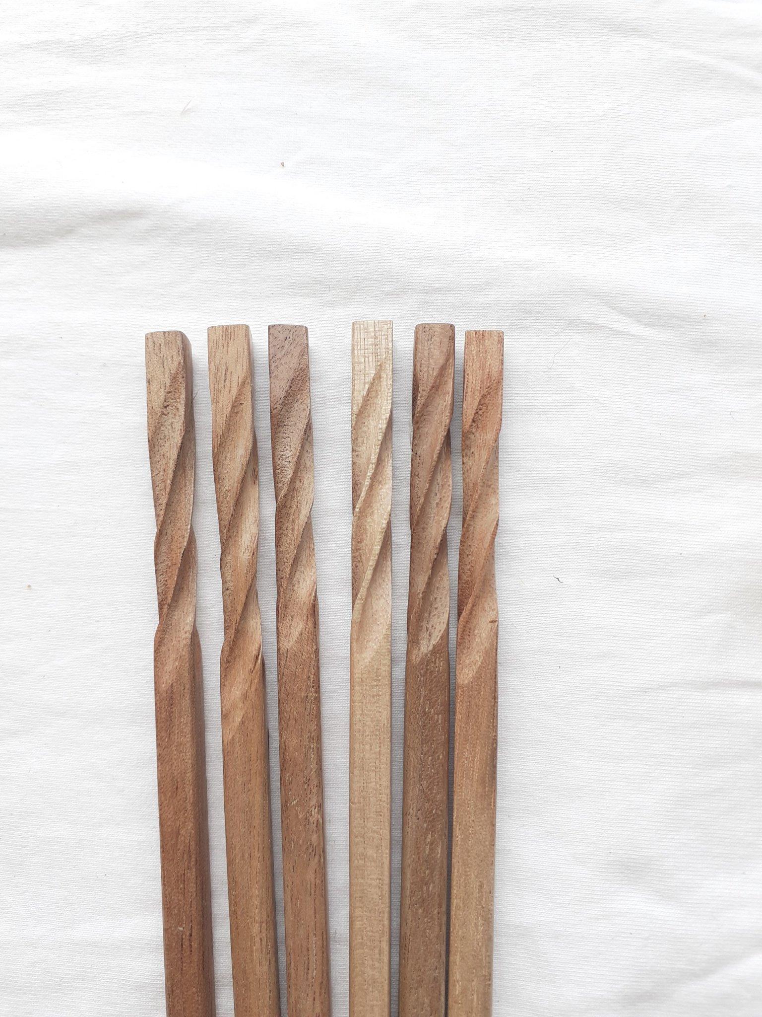 Đũa gỗ óc chó siêu nhẹ - Bộ 5 đôi