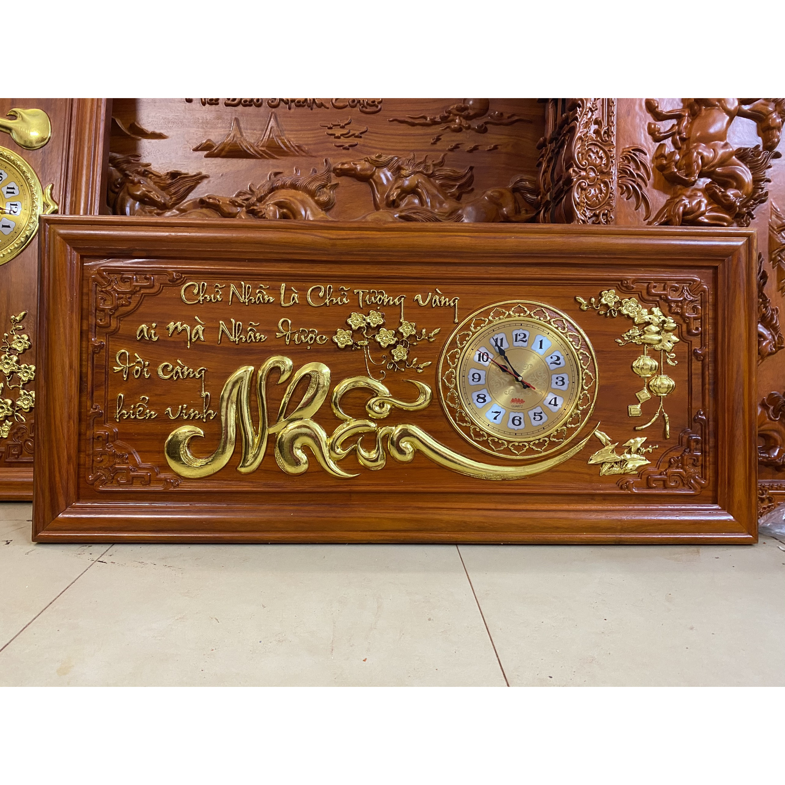 tranh đồng hồ gỗ hương đỏ -  chữ Nhẫn