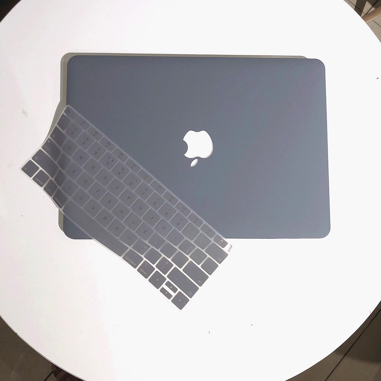 Combo ốp lưng và phủ phím cho Macbook cao cấp - Màu Xám