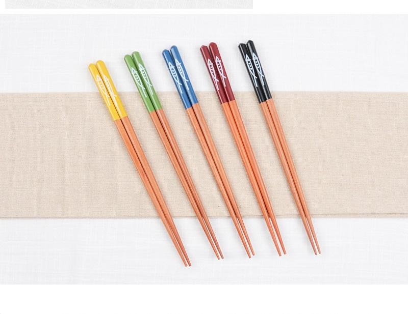 Bộ  5  đũa gỗ ngũ phúc mang may mắn đến cho gia đình bạn thuộc bộ sưu tập Detomate Nhật Bản DT5595