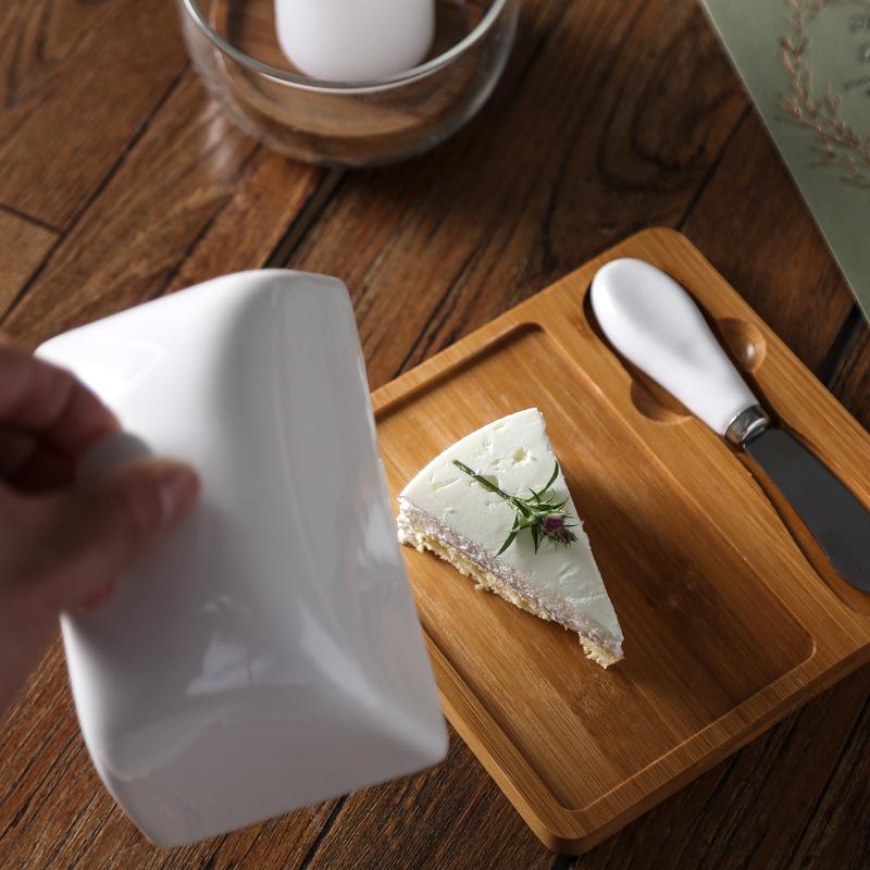 Bộ Khay bánh Cheese bằng gỗ kèm dao & nắp trắng sứ cao cấp