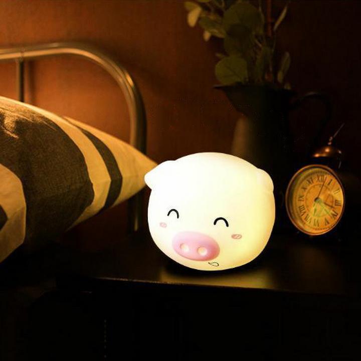 Đèn ngủ heo dễ thương đổi màu mẫu ngẫu nhiên