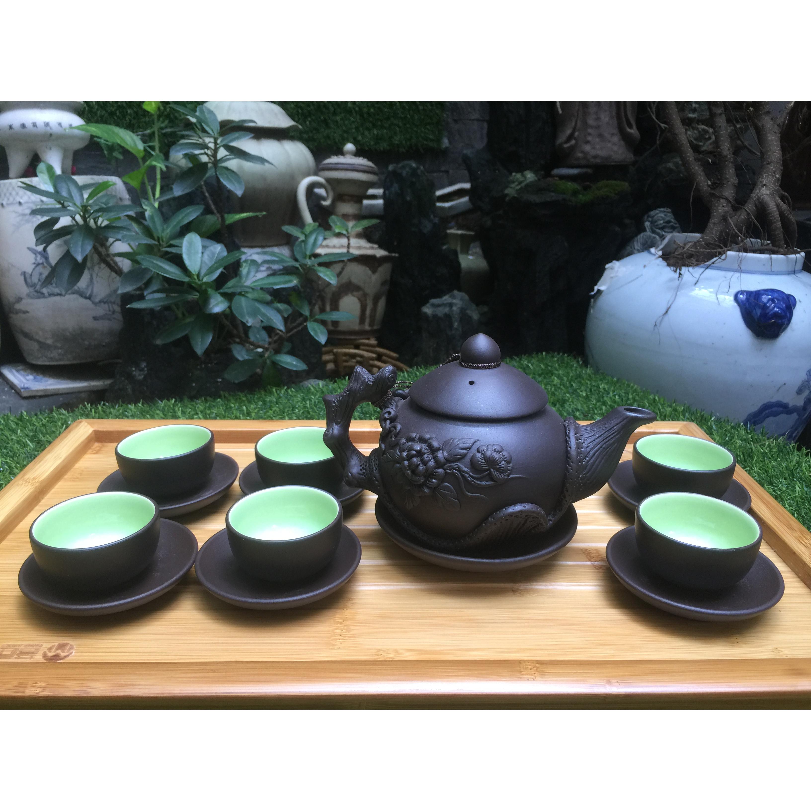 Bộ ấm trà đắp nổi gốc cây tách lót