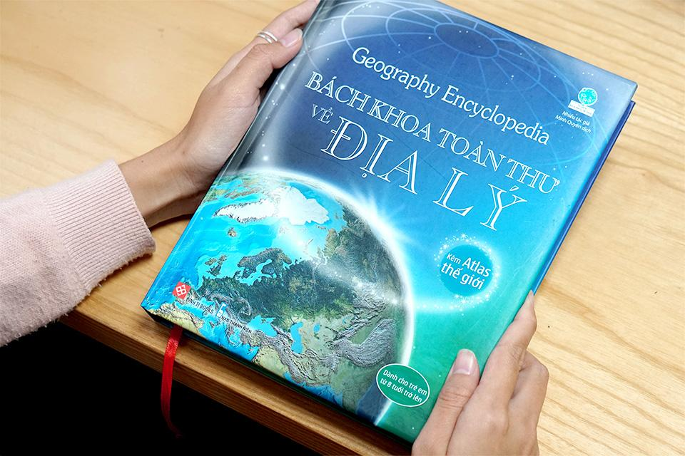 Sách Thiếu Thi Kiến thức Bách Khoa - Bách Khoa Toàn Thư Về Địa Lý - Geography Encyclopedia (Bìa cứng)