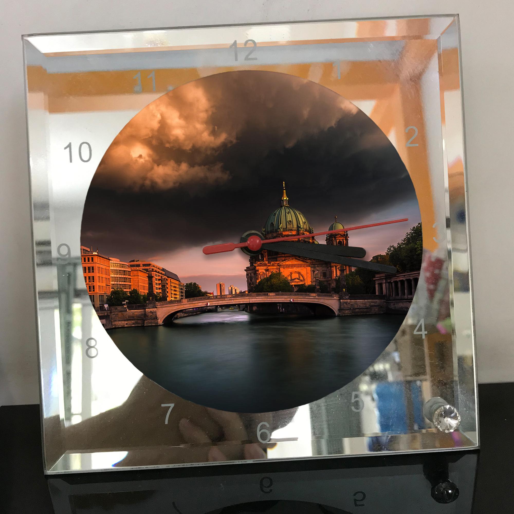 Đồng hồ thủy tinh vuông 20x20 in hình Berlin Cathedral - nhà thờ chính tòa Berlin (31) . Đồng hồ thủy tinh để bàn trang trí đẹp chủ đề tôn giáo