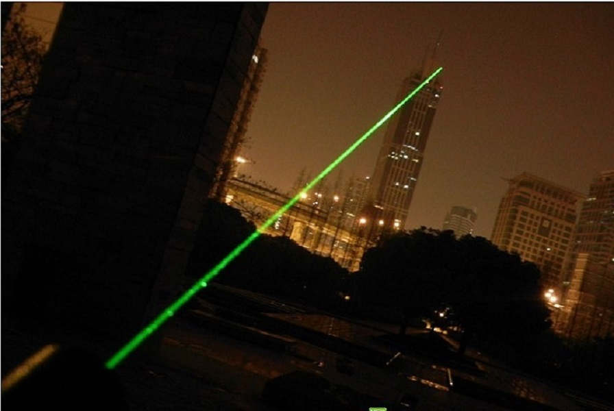 Bút Laser đa năng chiếu siêu xa kèm pin sạc