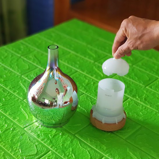 Đèn đốt tinh dầu tạo độ ẩm và mùi thơm tinh dầu bình hoa pha lê