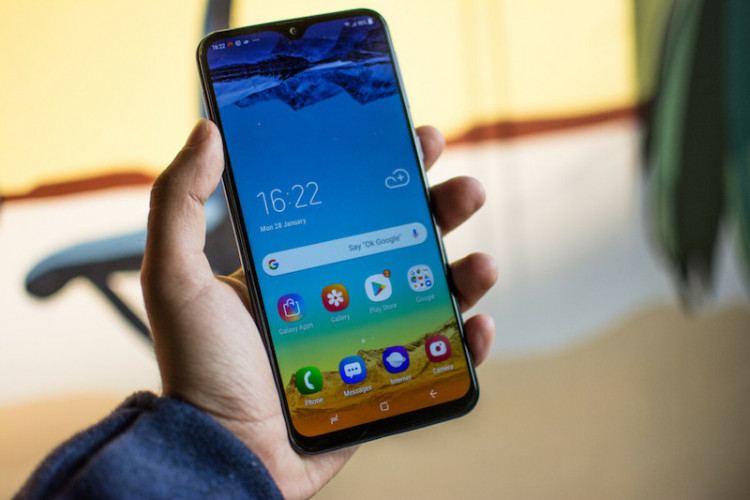 Trải nghiệm điện thoại Samsung Galaxy M20 chính hãng