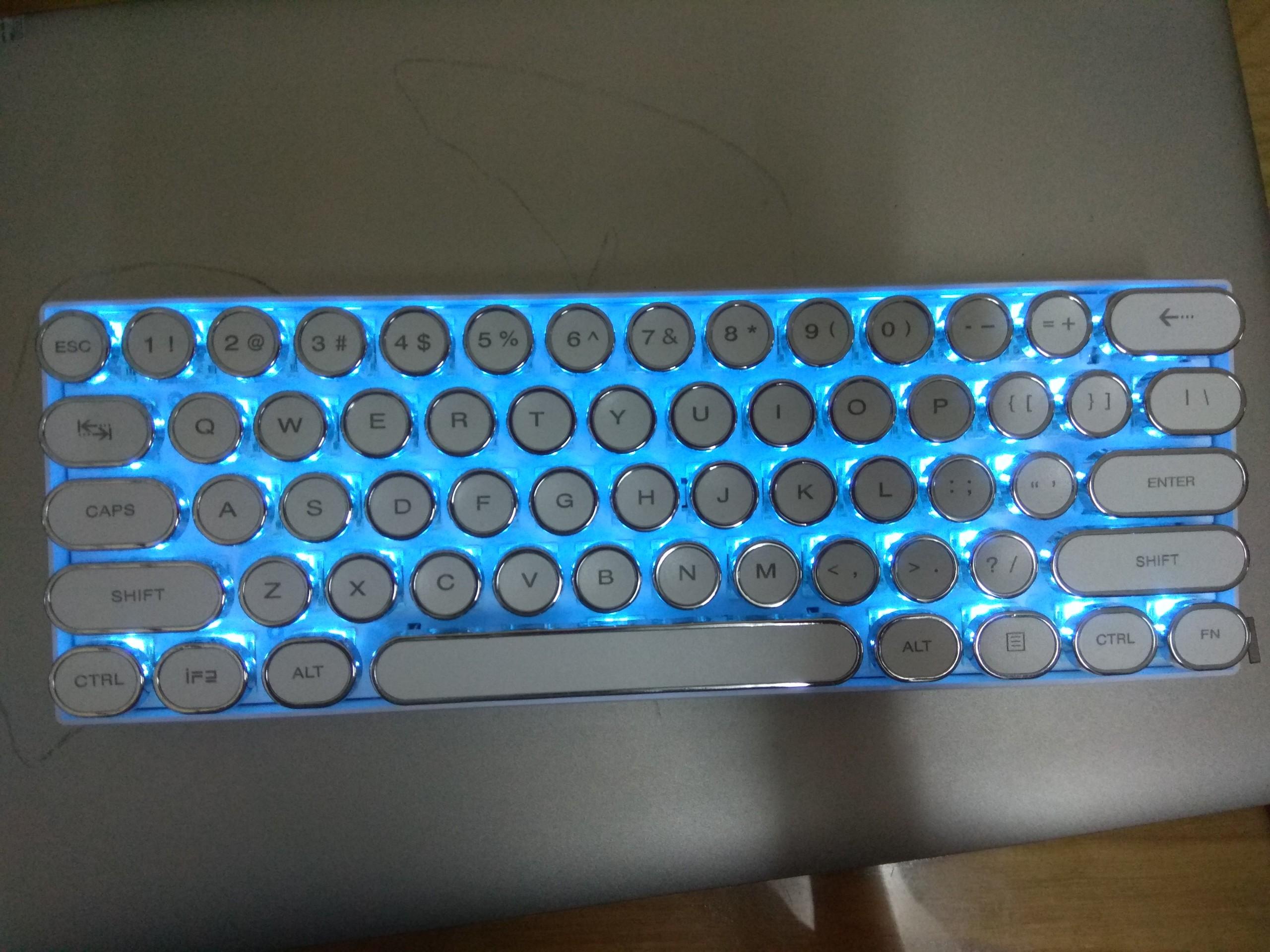 Bàn Phím Cơ Không Dây RK61 Phiên Bản Classic. - Blue Switch  - Chính Hãng Royal Kludge. 61 Phím nhỏ gọn, dễ mang theo. Thiết kế đẹp, phong cách cổ điển.