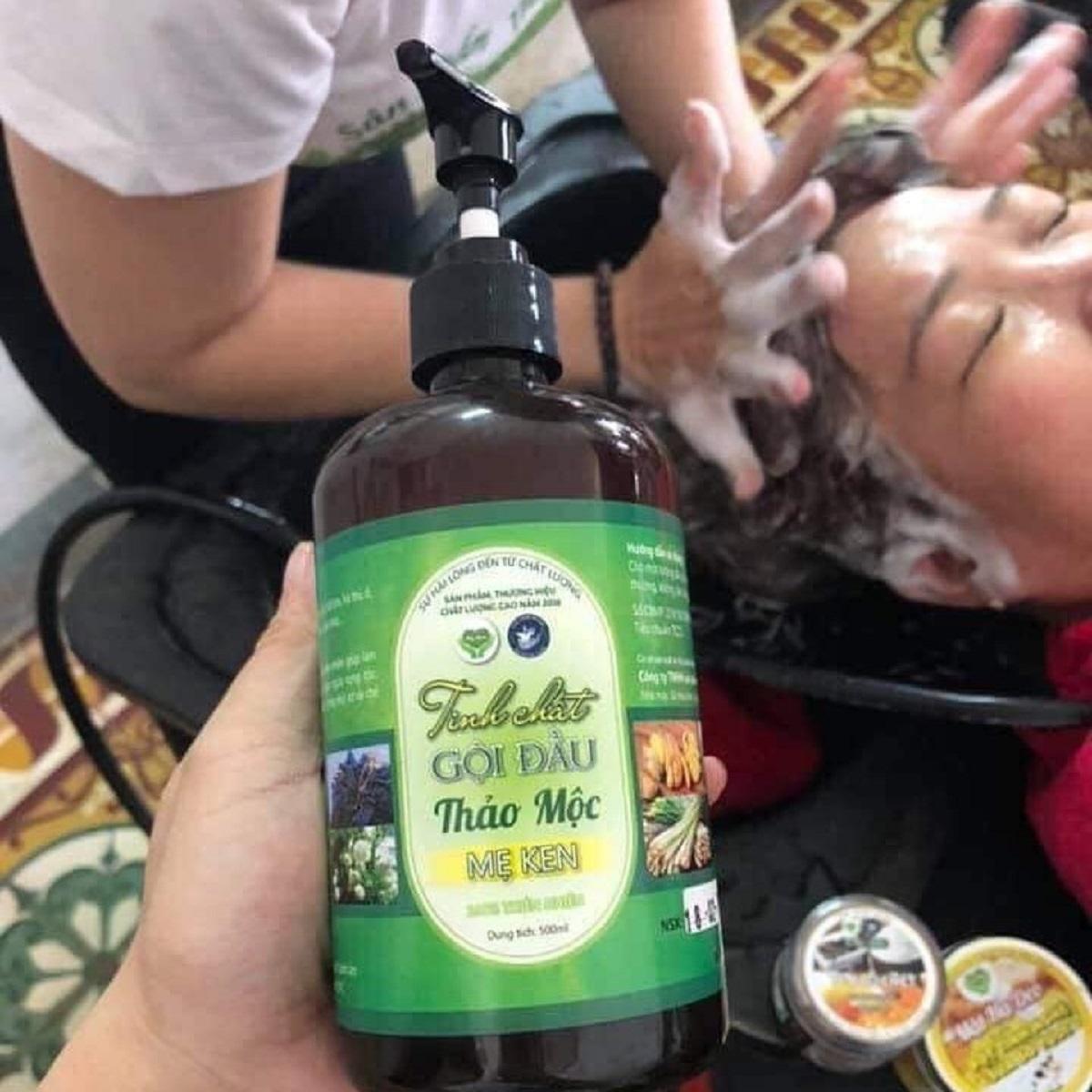 Combo 2 chai Tinh chất dầu gội đầu cô đặc thảo mộc dưỡng tóc MẸ KEN 250ml tặng 1 chai tinh dầu sả chanh Mẹ Ken treo xe