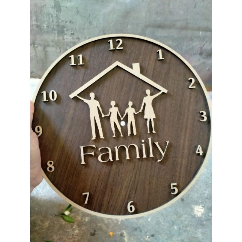 Đồng Hồ Treo Tường Family 30x30cm