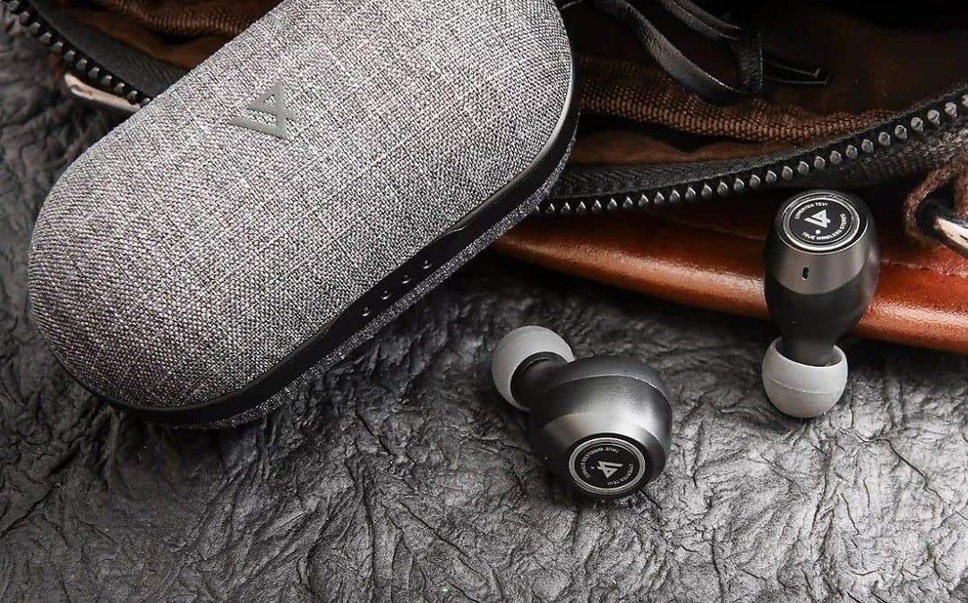 Tai nghe True Wireless Lypertek Pureplay Z3 - Pin khủng 70 giờ, Sạc không dây, Bluetooth 5.2 có apt-X, Chống nước IPX7, Micro chống ồn CVC 8.0, Xuyên âm - Hàng Chính Hãng