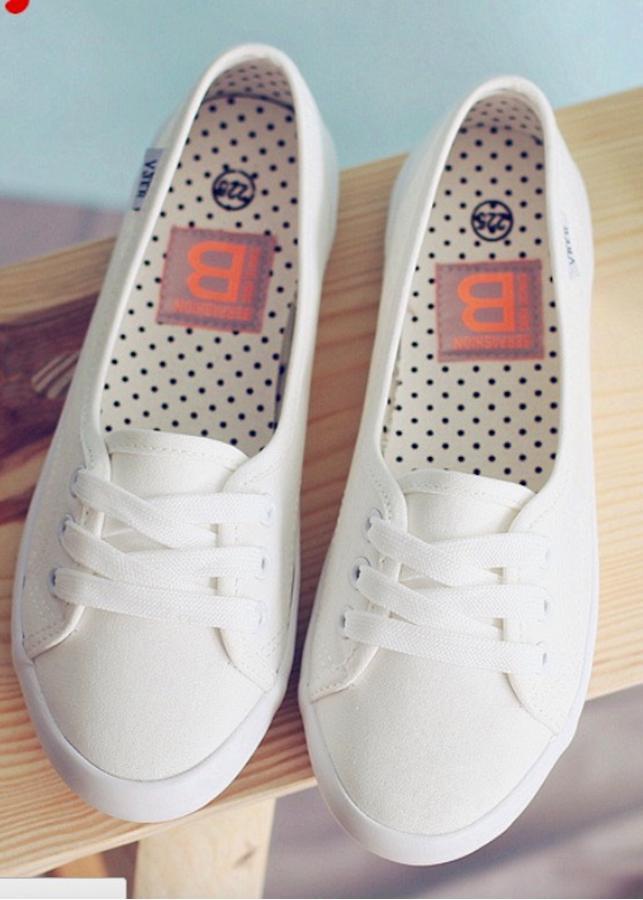 Giày bệt nữ vải màu trắng trắng size 36