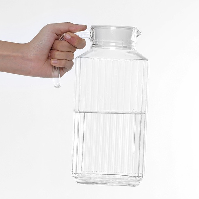 Bình đựng nước thủy tinh