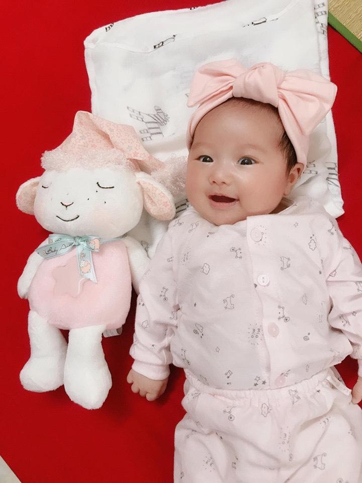 Cừu ru ngủ có đèn nhạc My First Baby Annabell