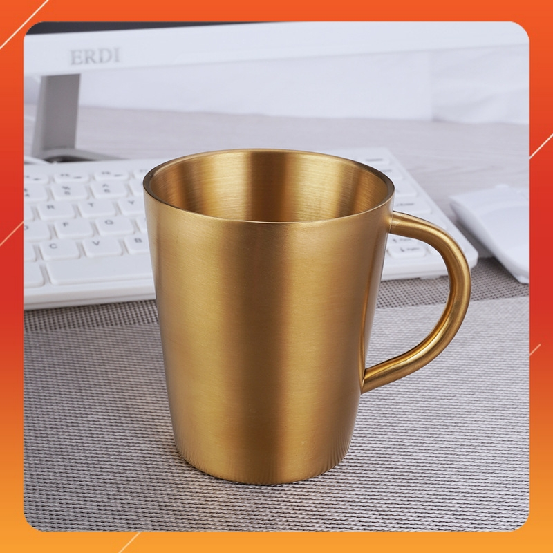 Ly cốc uống nước inox màu vàng giữ nhiệt tiện dụng chất liệu Inox 304 Cao Cấp, Măt đáy có chữ SUS304 Thích hợp cho uống Cafe Nóng hay Nước Ngọt, Bia lạnh đều được Màu inox nguyên bản,Kích Thước 9,6 x 11cm - Cốc Inox giữ nhiệt được làm từ Inox 304 Cao Cấp không gỉ