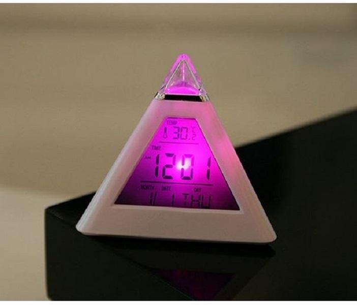 Đồng hồ để bàn đổi màu Kim Tự Tháp