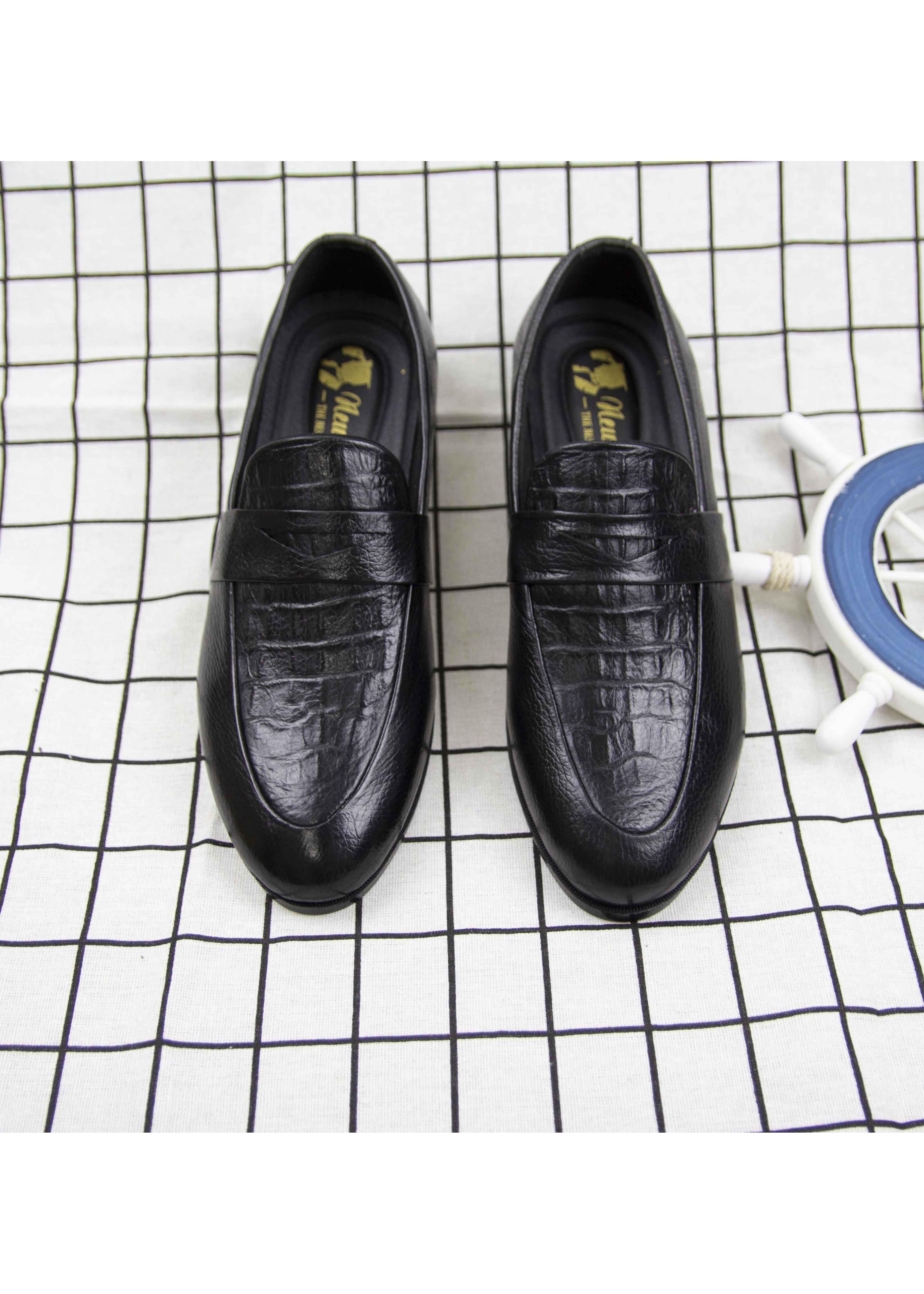 Giày lười da bò nam, thiết kế dập vân cá sấu thời thượng, đế cao su 3 cm nguyên chất đi êm, bền, giày gia công trong nước, kiểu dáng công sở, giày da màu đen lịch lãm GD11