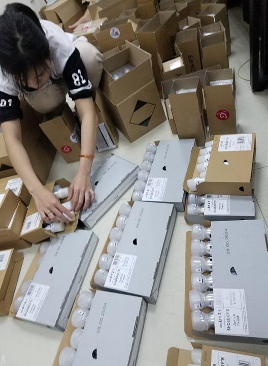 Combo kem vệ sinh giày + xịt khử mùi giày + xi đánh giày Shoeboy's chính hãng nhập khẩu từ Đức (SB-BA2)