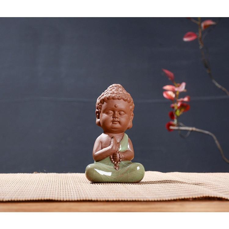 Tượng Phật Gốm Xanh Ngọc Ngồi Thiền Chuỗi Hạt