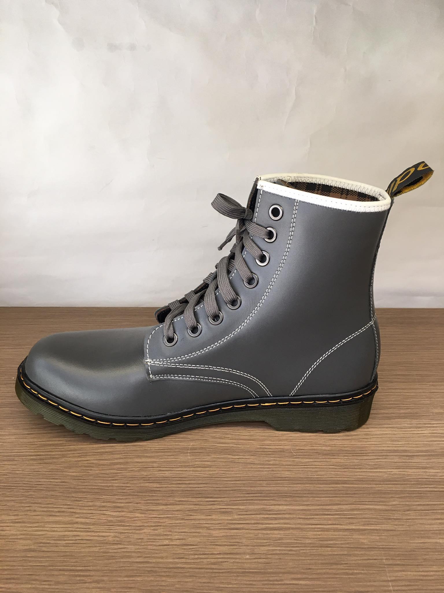 Giày boot cổ cao da bò màu đen-BT011