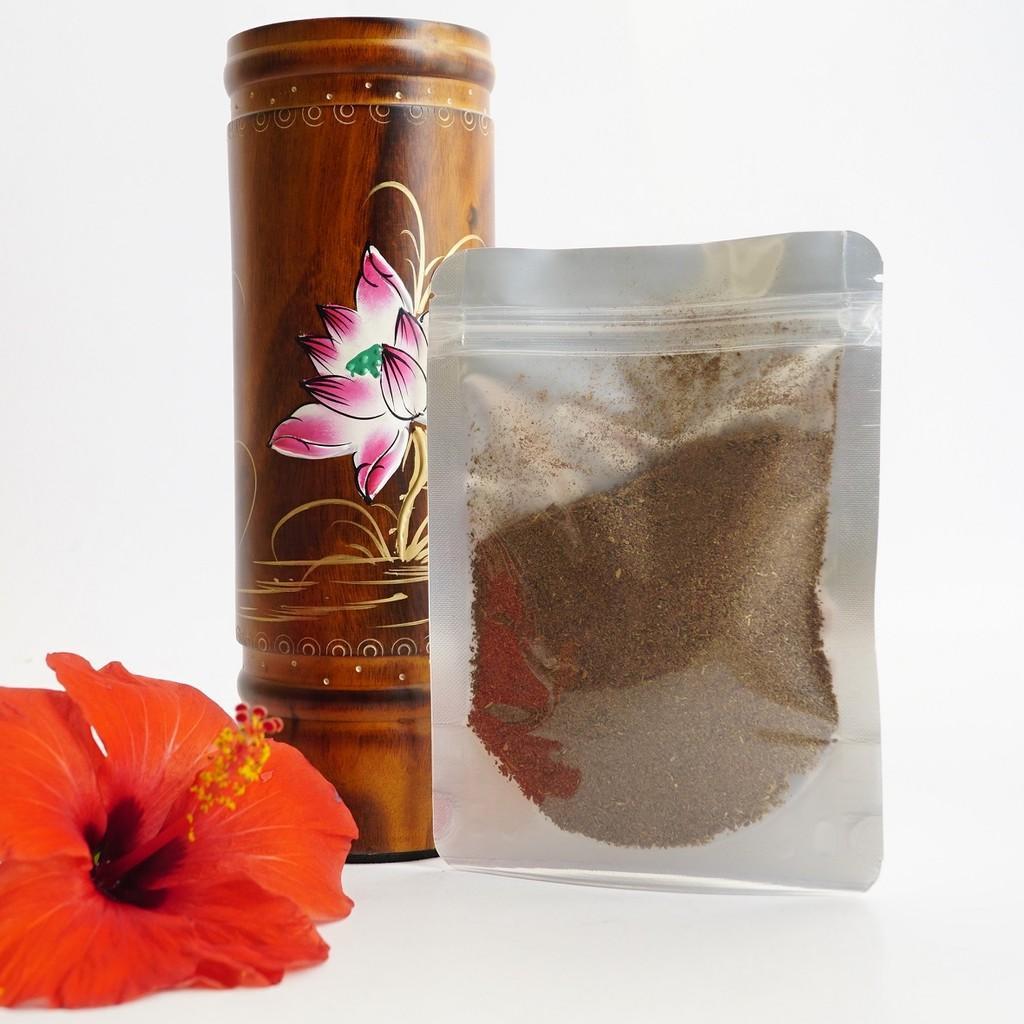 Bột Trầm Hương xông nhà và làm lễ cúng tẩy tịnh