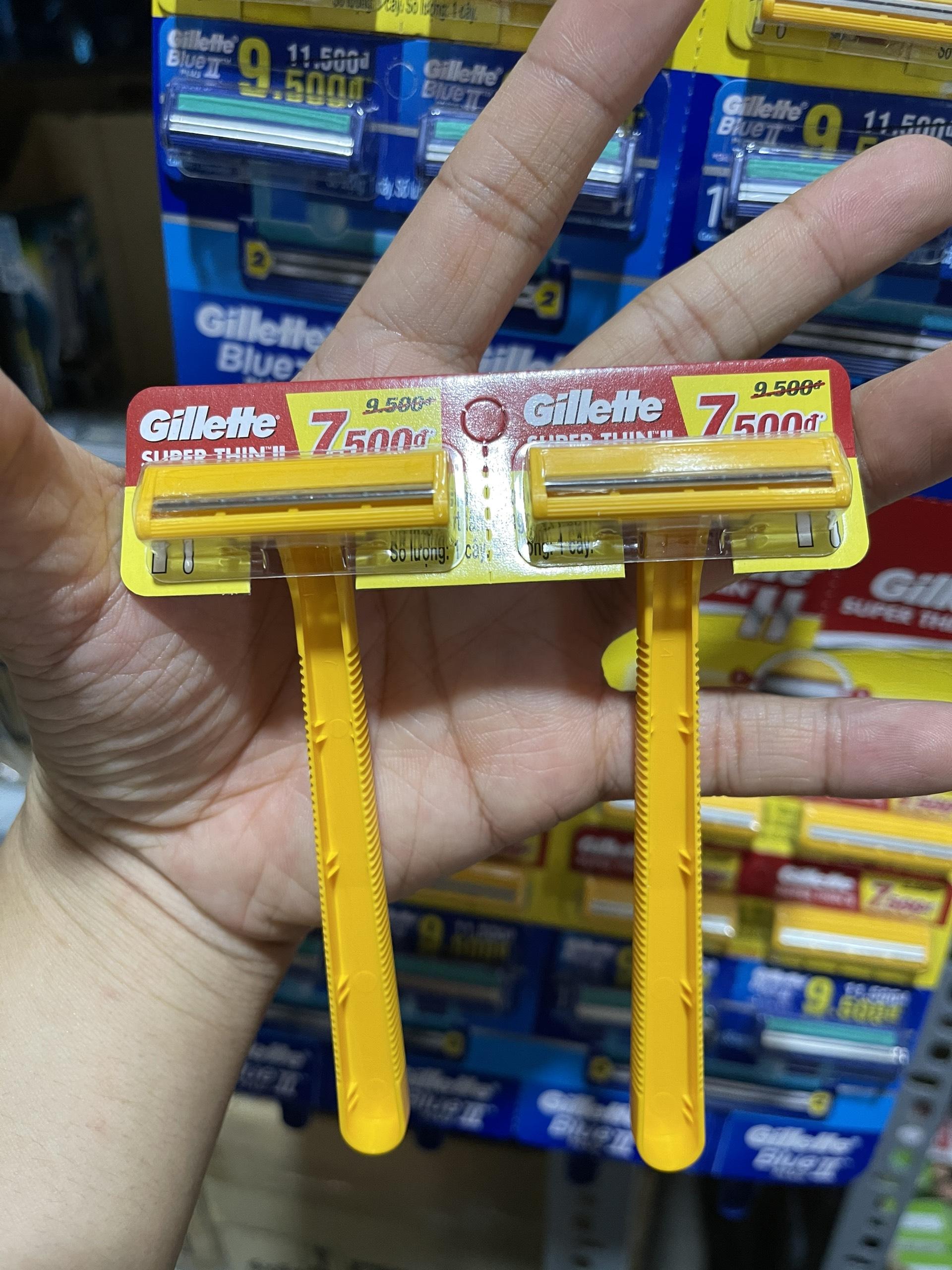 Dao cạo râu tiện lợi Gillette Superthin Cán vàng + cán xanh Vỉ 24 cây