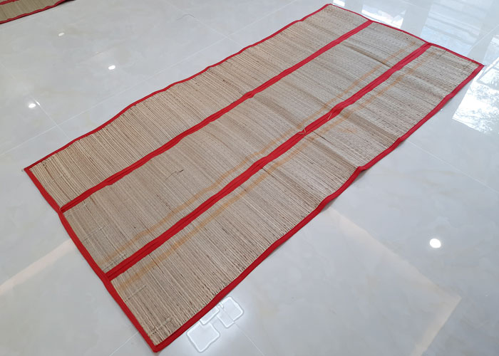 Chiếu cói xếp gấp gọn nhẹ kích thước 1m4 x 1m9
