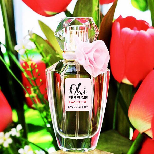 Nước hoa nữ thơm ngọt dễ chịu
