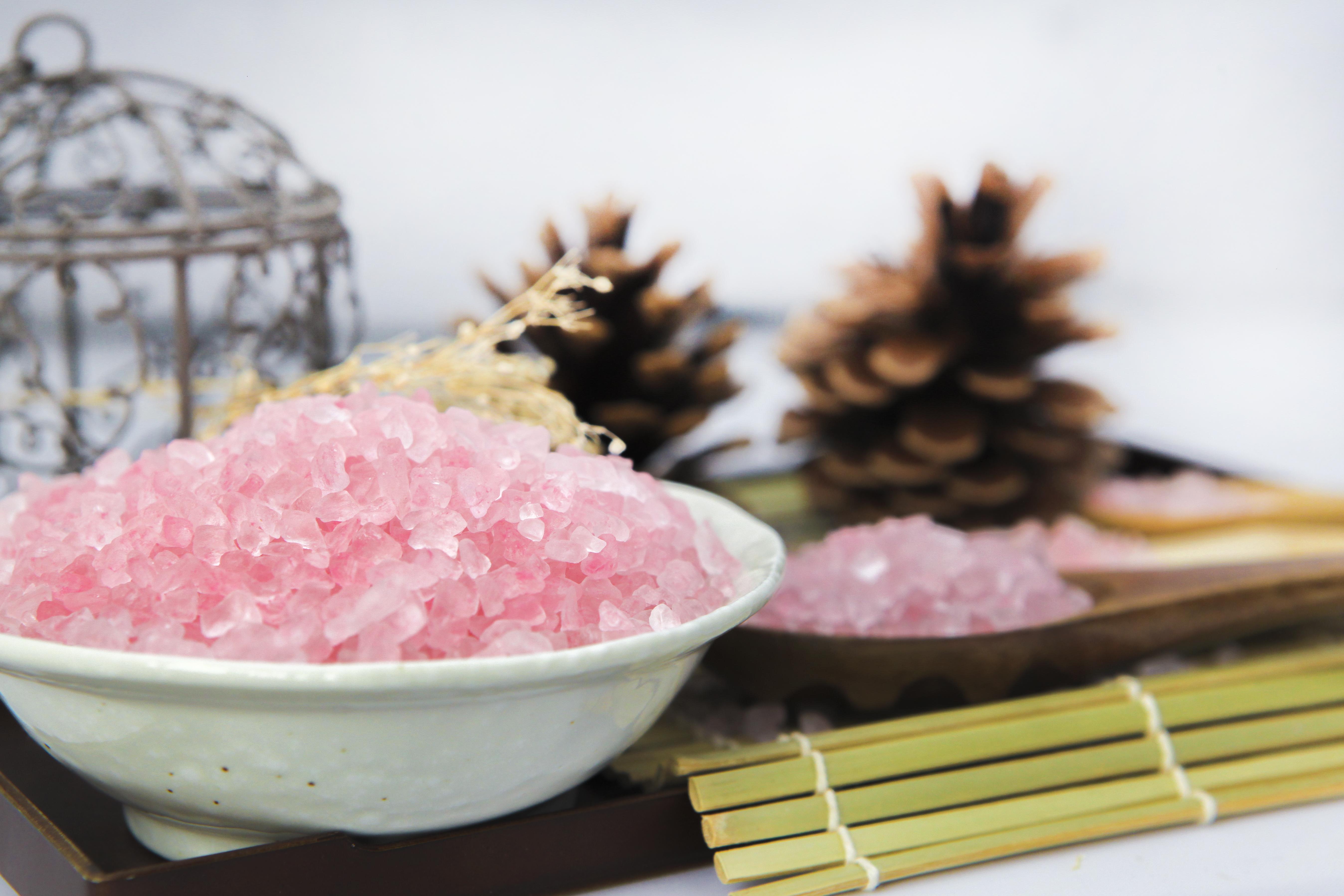 Thùng Muối Tắm Hoa Hồng 6 Lọ - 1 lọ/1kg