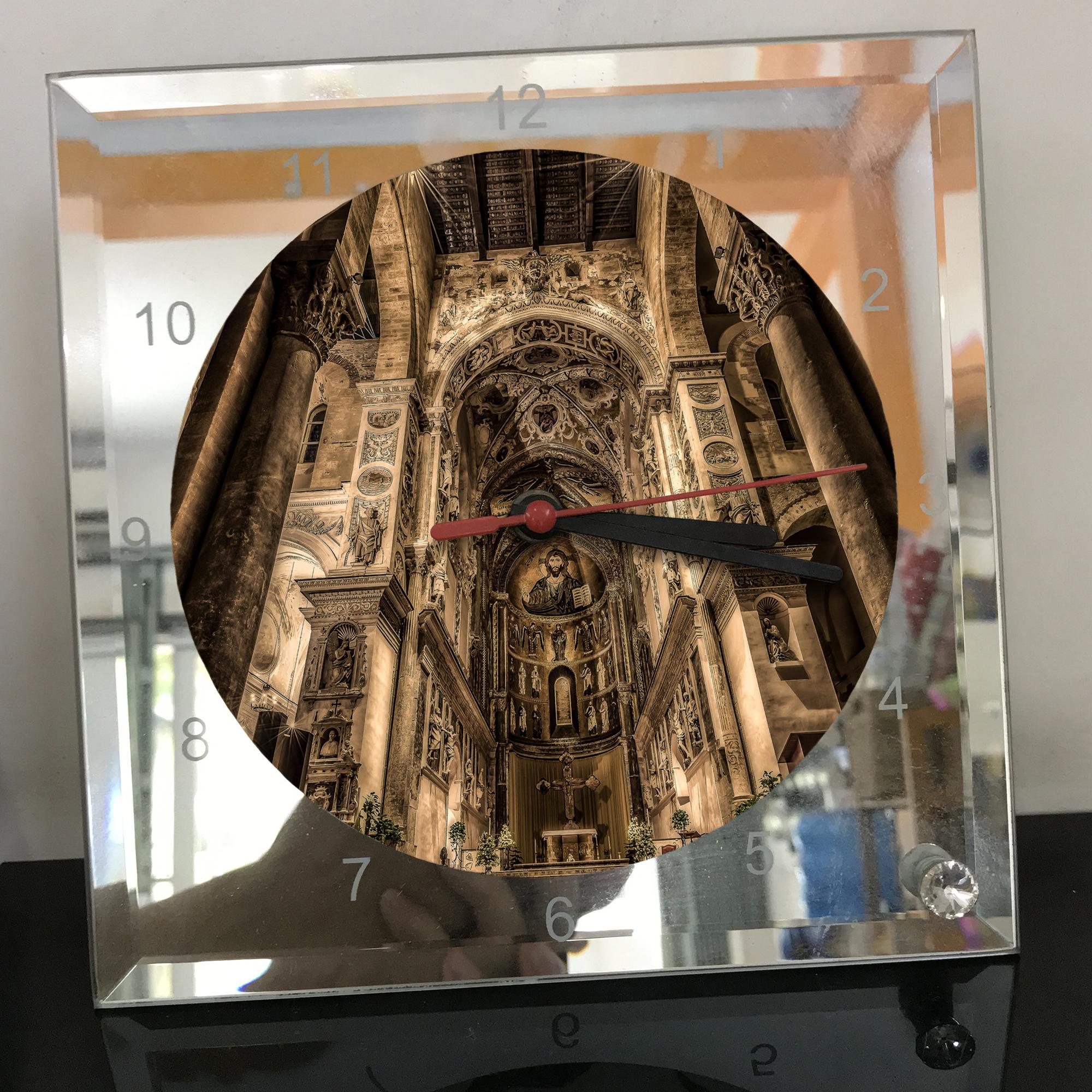Đồng hồ vuông thủy tinh 20x20 in hình Cathedral - nhà thờ chính tòa (58) . Đồng hồ thủy tinh để bàn trang trí đẹp chủ đề tôn giáo