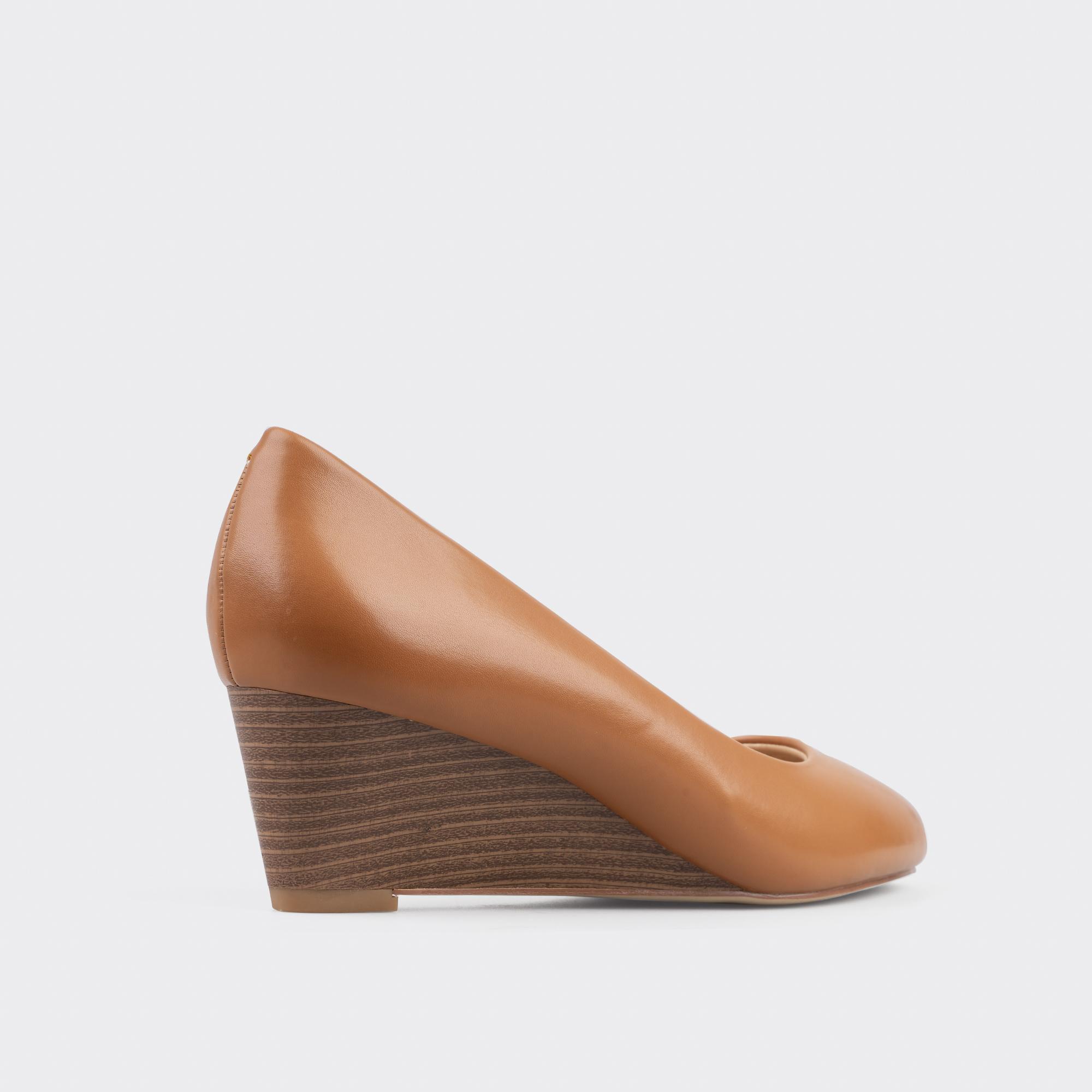 Giày cao gót giày bít mũi đế xuồng ChristinA-Q GBX031