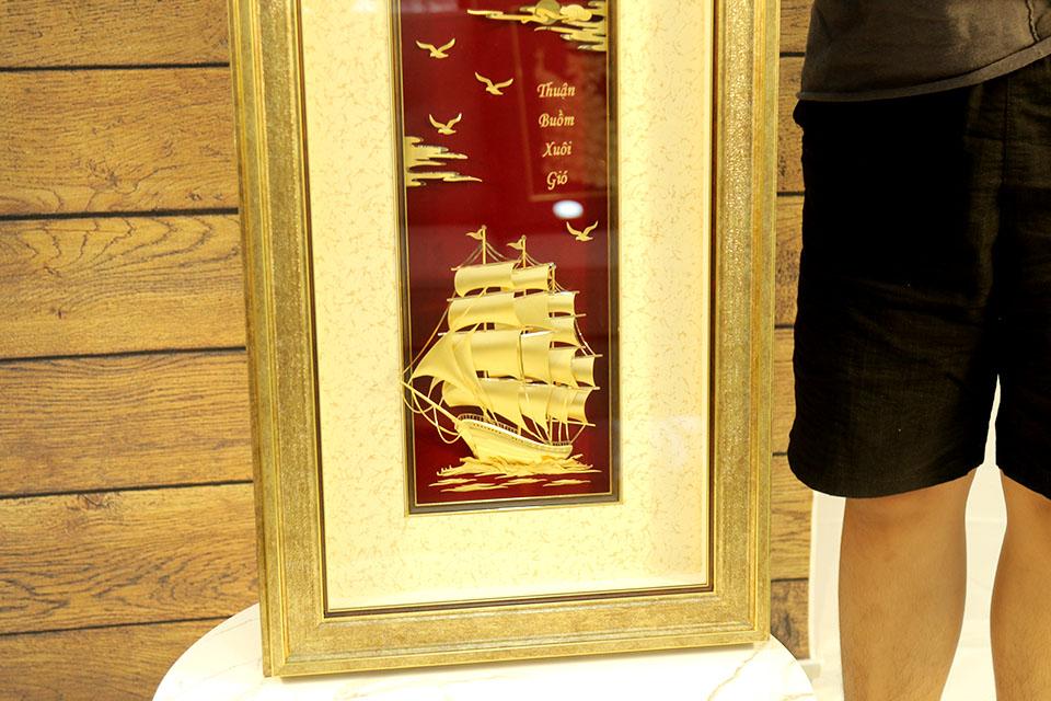 Quà tặng Tân gia - Tranh thuyền thuận buồm xuôi gió vàng lá 24k