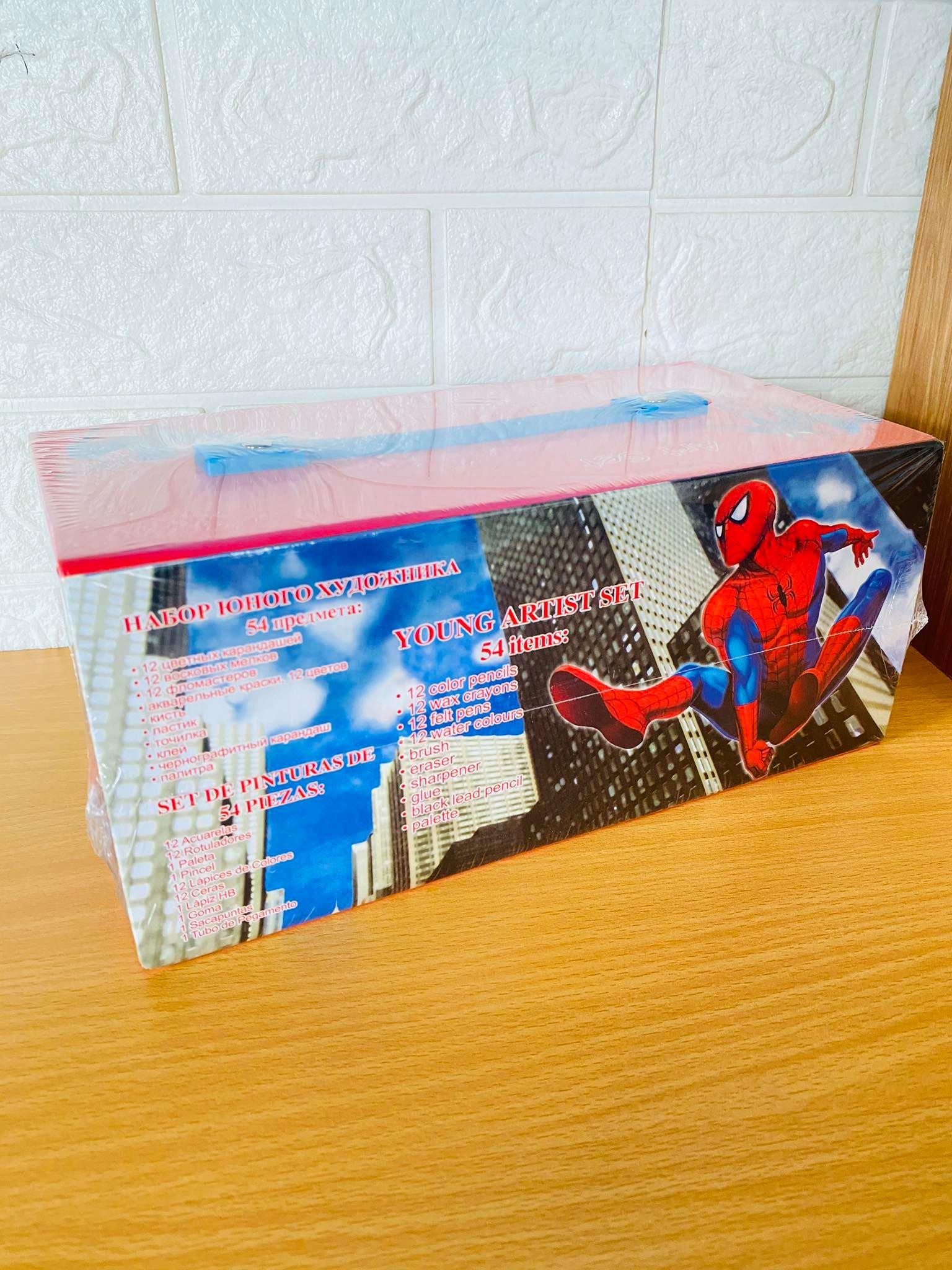Hộp bút 54 màu cho bé hình spiderman ( tặng kèm ví cầm tay- giao màu ngẫu nhiên )