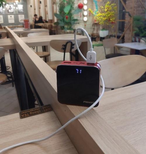 Pin Sạc Dự Phòng Mini Mirror Pisen 10000mAh (Hợp kim Mac + 2 Mặt Kính, 2x USB Smart, Led) - Đỏ - Hàng Chính Hãng