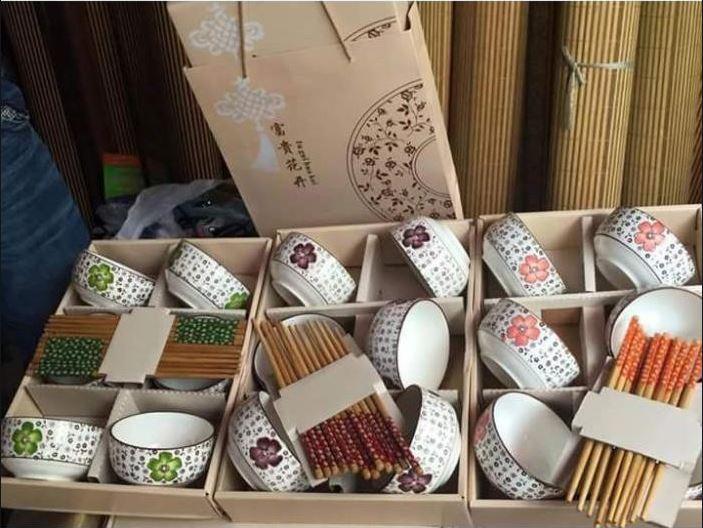 Bộ 6 bát đũa xuất Nhật cao cấp kèm hộp đựng và túi sách siêu xinh (Màu sắc ngẫu nhiên)
