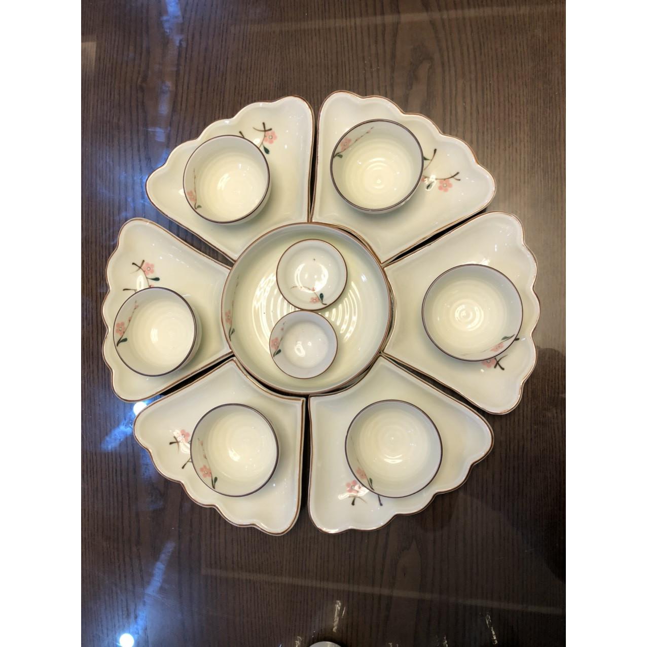 Bộ sản phẩm đĩa mặt trời hoa đào đỏ gốm sứ Bát Tràng